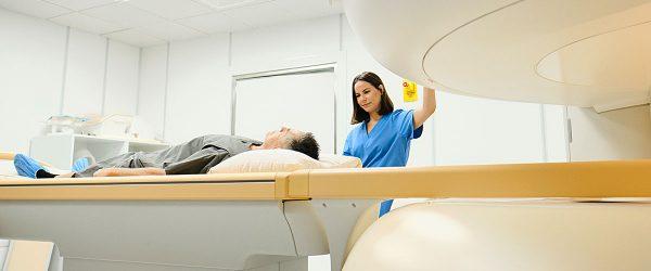 profissionais de radiologia médica